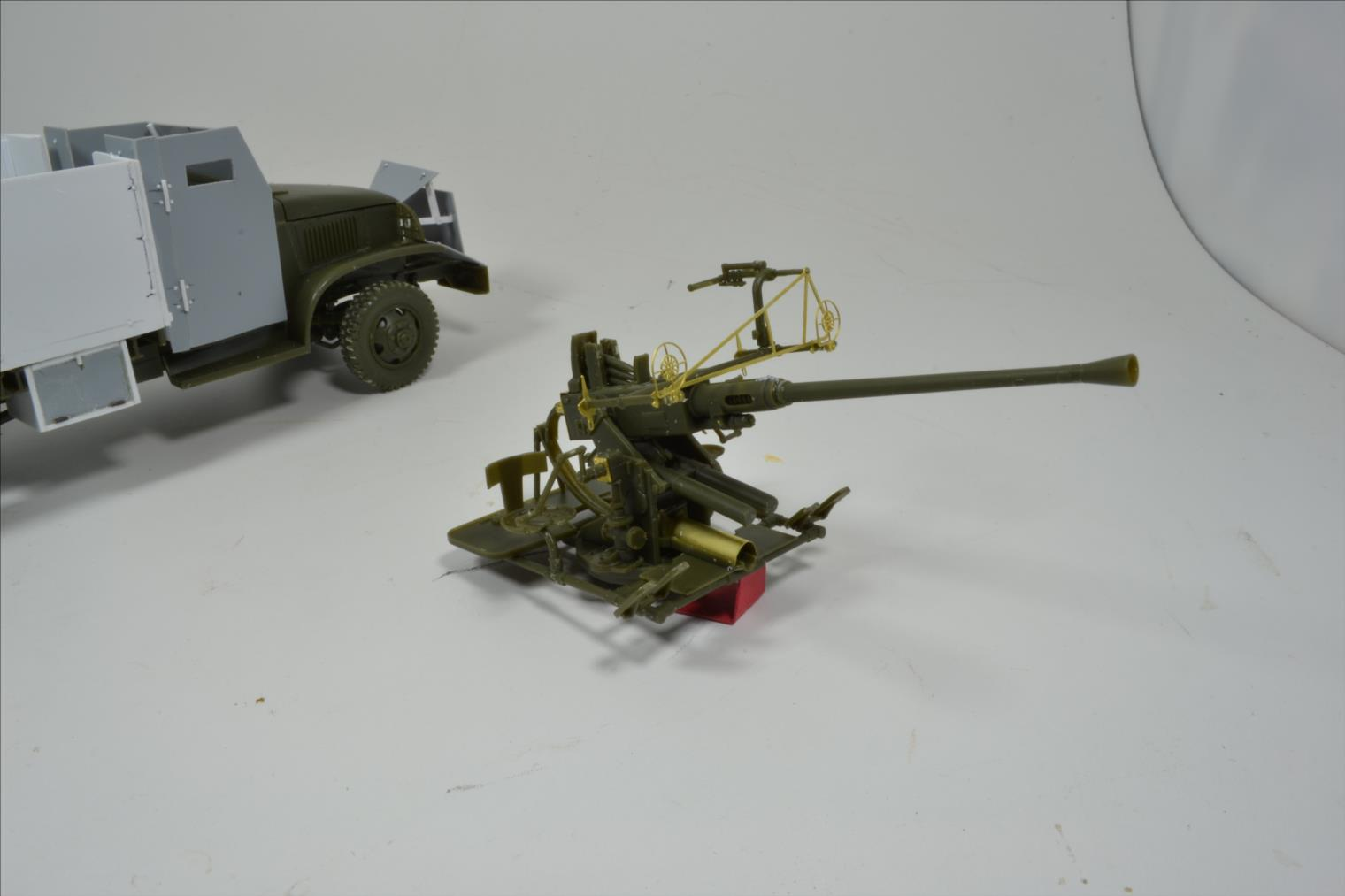 INDOCHINE GMC Bofors (Hobby Boss) 1/35 19120610330522494216544286