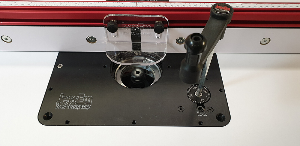 Festool OF1400 sous table, système JessEm monté sur support Bosch 19120803301524320016546578