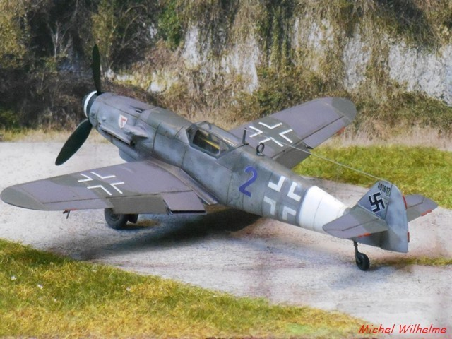 MESSERSCHMITT 109  G.10  Erla  .  AZ model 1/72 1912171004455625616560738