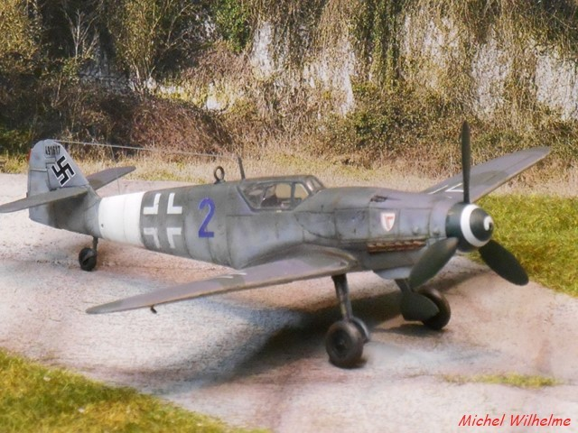 MESSERSCHMITT 109  G.10  Erla  .  AZ model 1/72 1912171004475625616560741