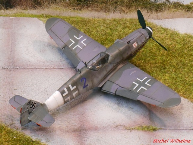 MESSERSCHMITT 109  G.10  Erla  .  AZ model 1/72 1912171004565625616560744