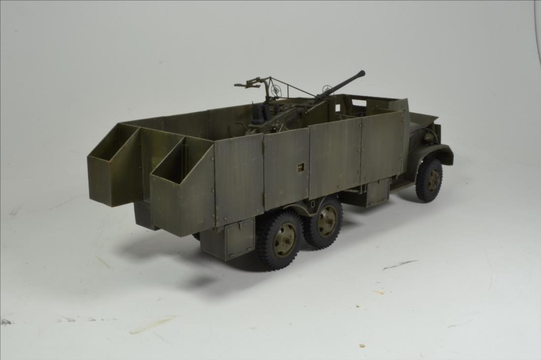 INDOCHINE GMC Bofors (Hobby Boss) 1/35 - Page 2 19122109485022494216568058
