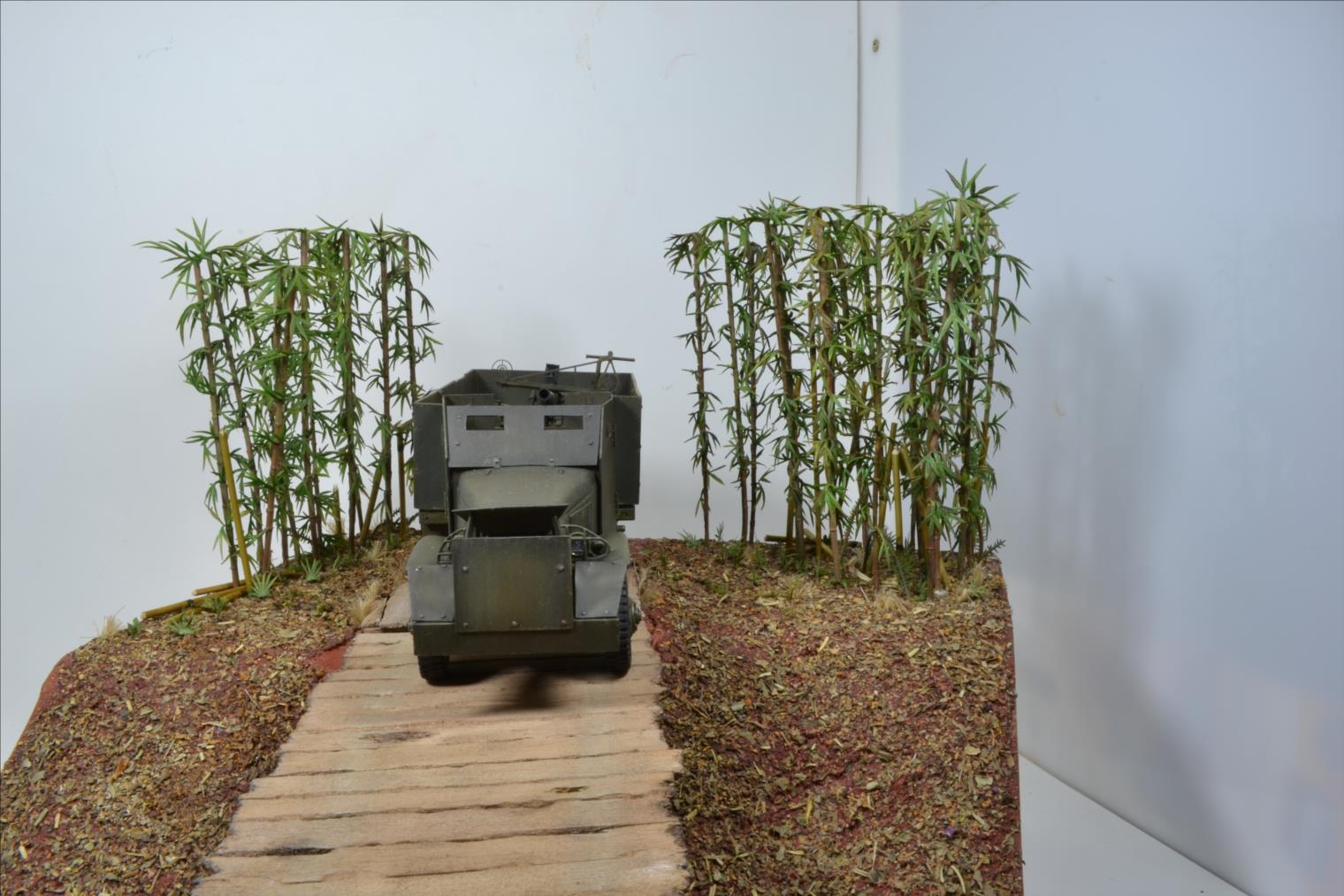 INDOCHINE GMC Bofors (Hobby Boss) 1/35 - Page 3 19122908493822494216576194