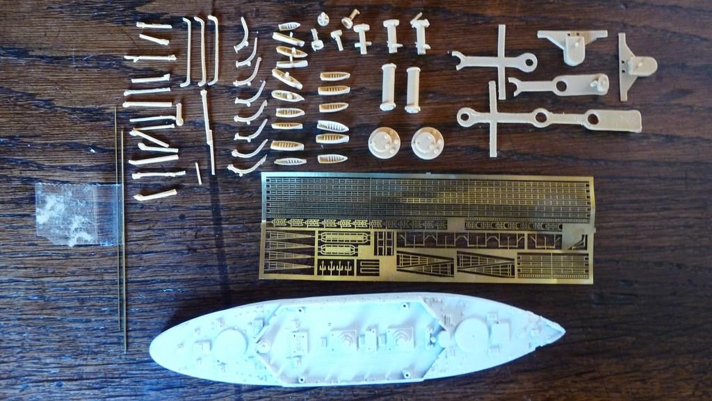 A vendre : kits navires 1/700 et 1/350 (mis à jour et complété) ZfnbJb-Kearsarge2
