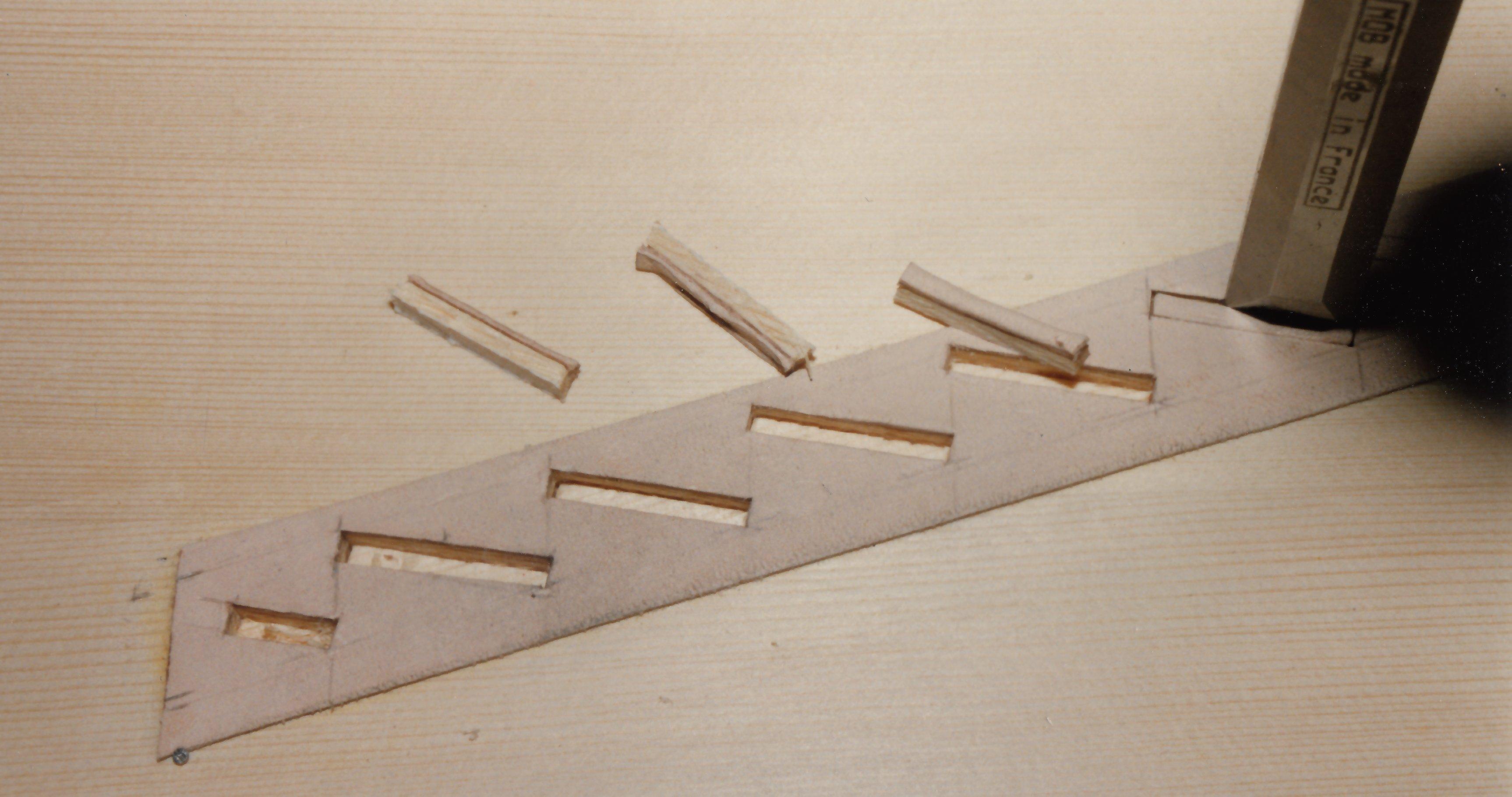 Fabrication d'instruments de musique anciens de bgire - Page 2 20030510304323134916674703
