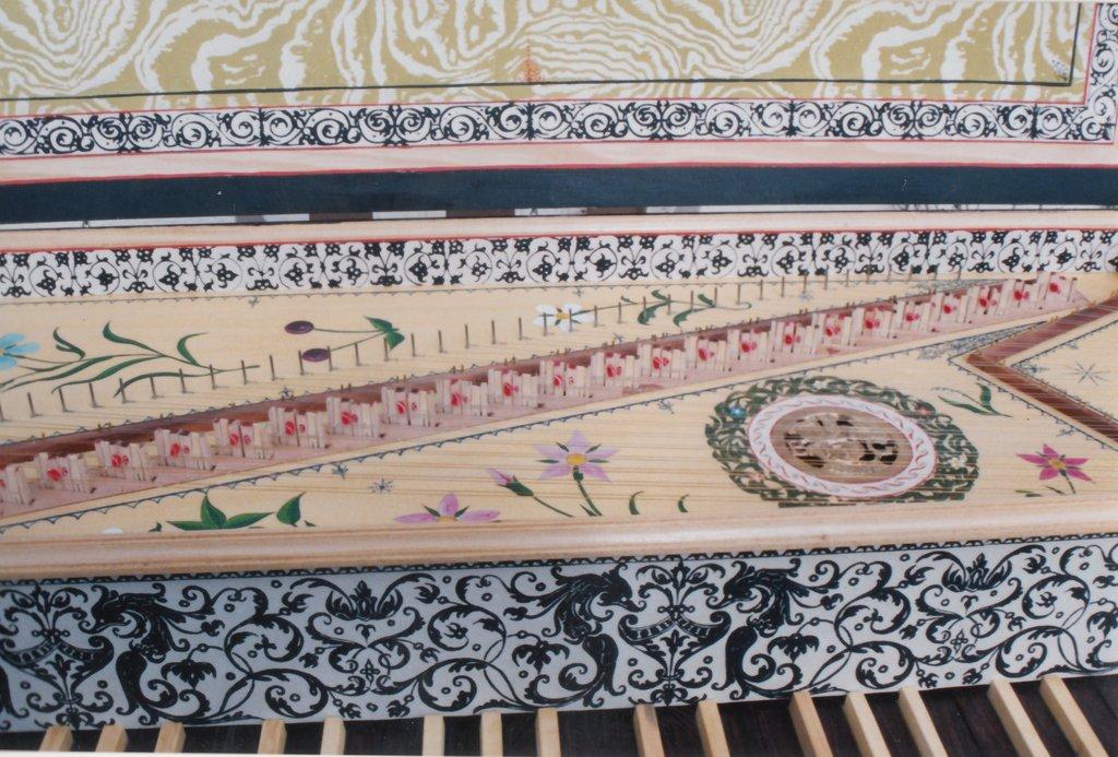 Fabrication d'instruments de musique anciens de bgire - Page 2 FmNjJb-1992-Kind-Virginal-72