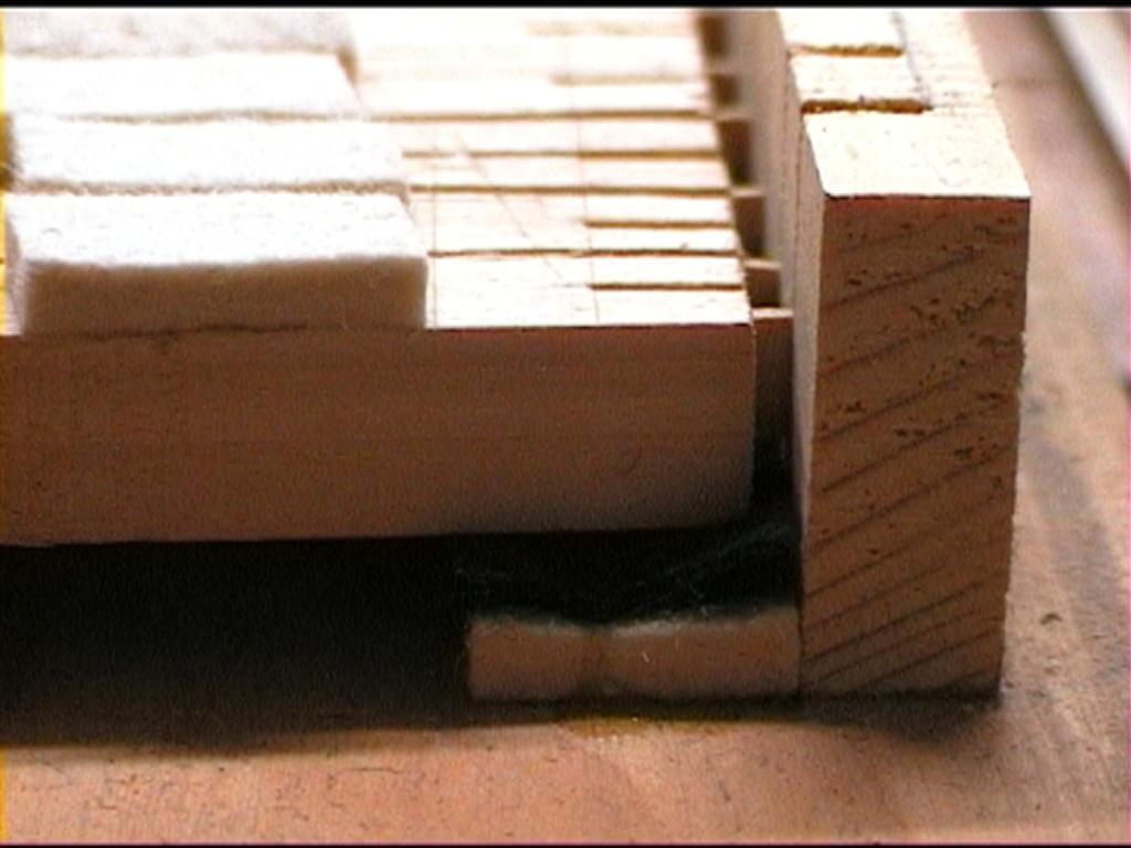 Fabrication d'instruments de musique anciens de bgire - Page 2 JqNjJb-1992-Kind-Virginal-2-06