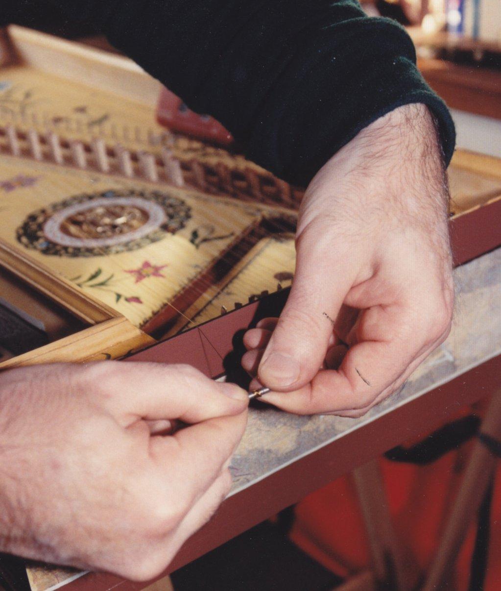 Fabrication d'instruments de musique anciens de bgire - Page 2 DmNjJb-1992-Kind-Virginal-66