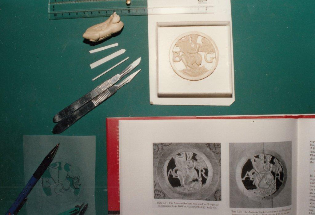 Fabrication d'instruments de musique anciens de bgire - Page 2 TjNjJb-1992-Kind-Virginal-38