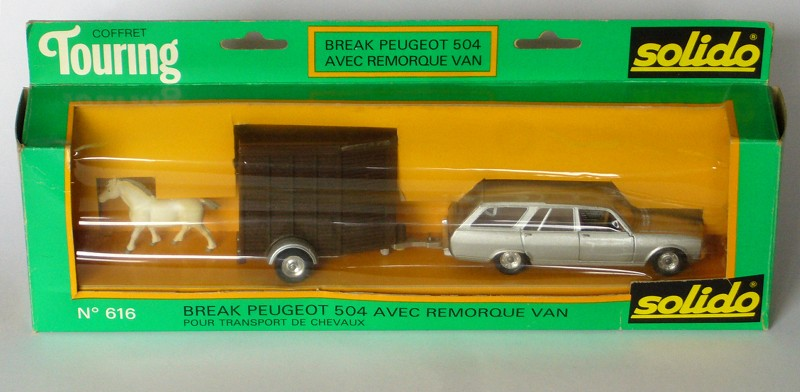 #2182 Peugeot 504 break avec van Solido profil en boite web