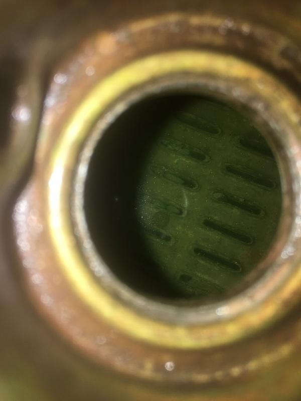 Liquide de refroidissement dans tout e compartiment ! 20031701362724733216691763