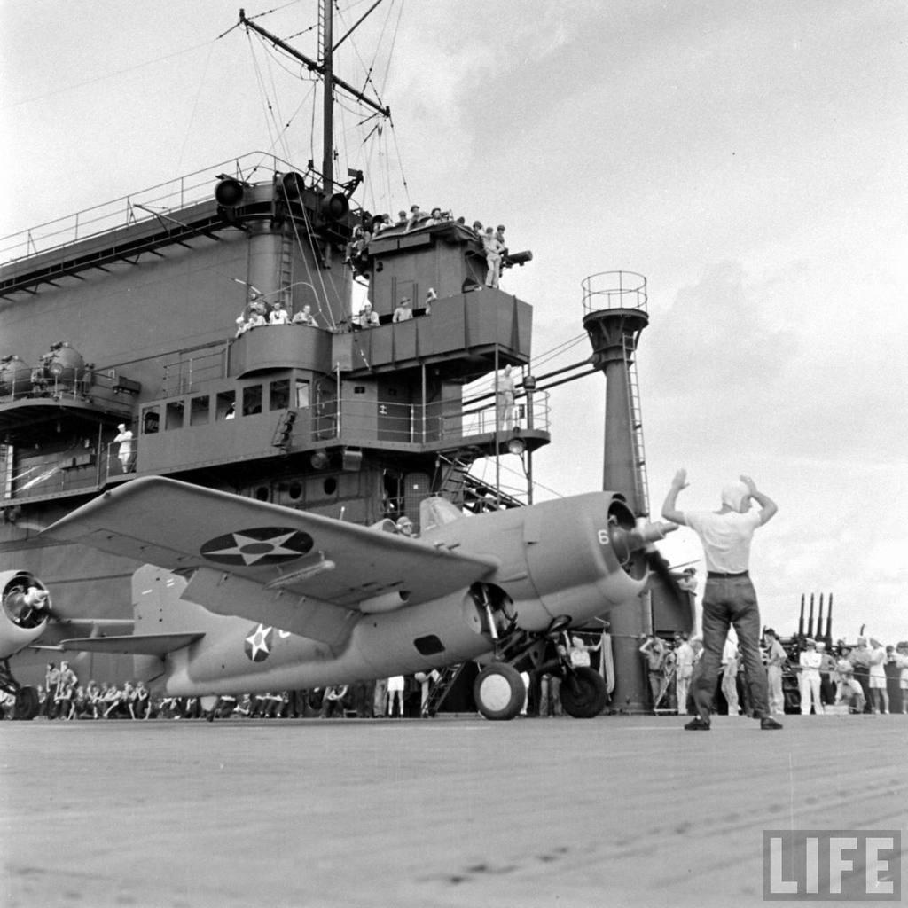 Photos insolites... - Page 33 743oJb-USS-Enterprise-05-prewar