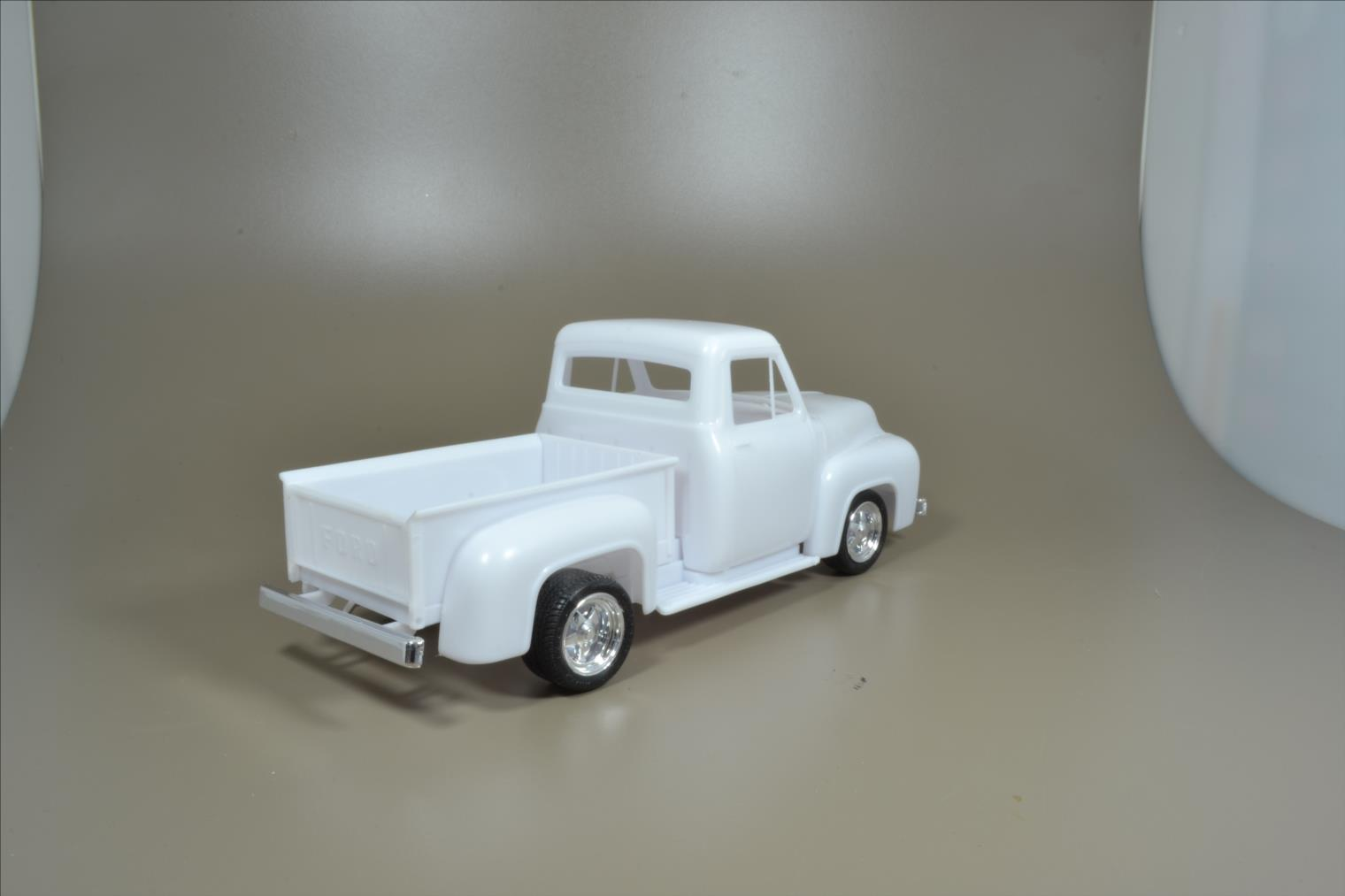 ROD FORD F100 (1/24 MONOGRAM) 20040410532222494216725289