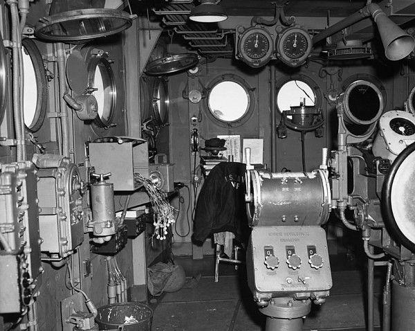 USS HORNET 1/200 MERIT + BIG ED Eduard + MK1 - Page 6 2oTwJb-USS-Bunker-Hill-bridge