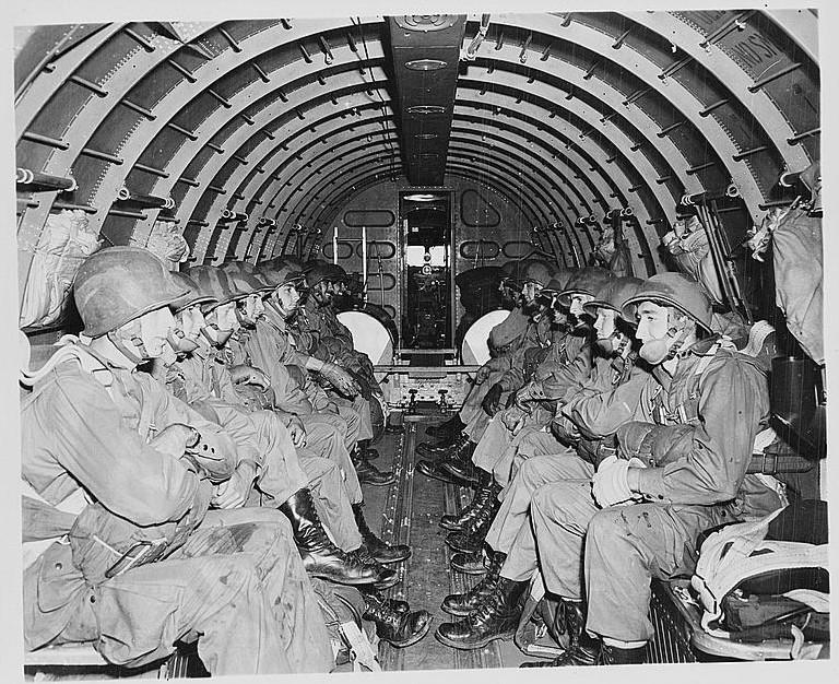 Diverses photos de la WWII - Page 39 20041103485924406916737831