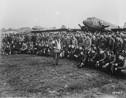 Diverses photos de la WWII - Page 39 20041103490024406916737832