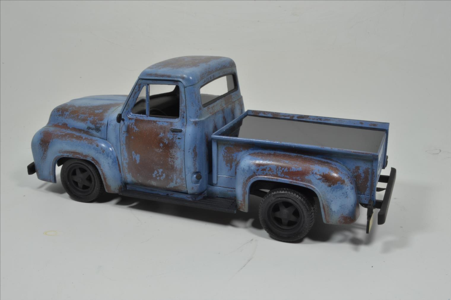 ROD FORD F100 (1/24 MONOGRAM) - Page 2 20041410174422494216744377