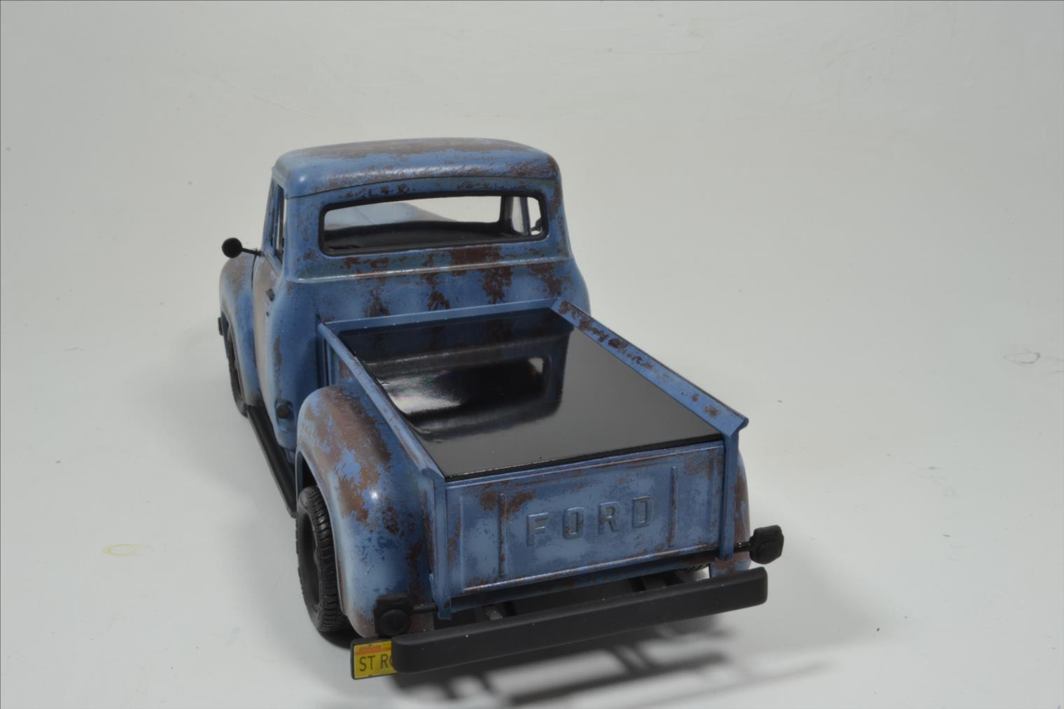 ROD FORD F100 (1/24 MONOGRAM) - Page 2 20041410174422494216744378