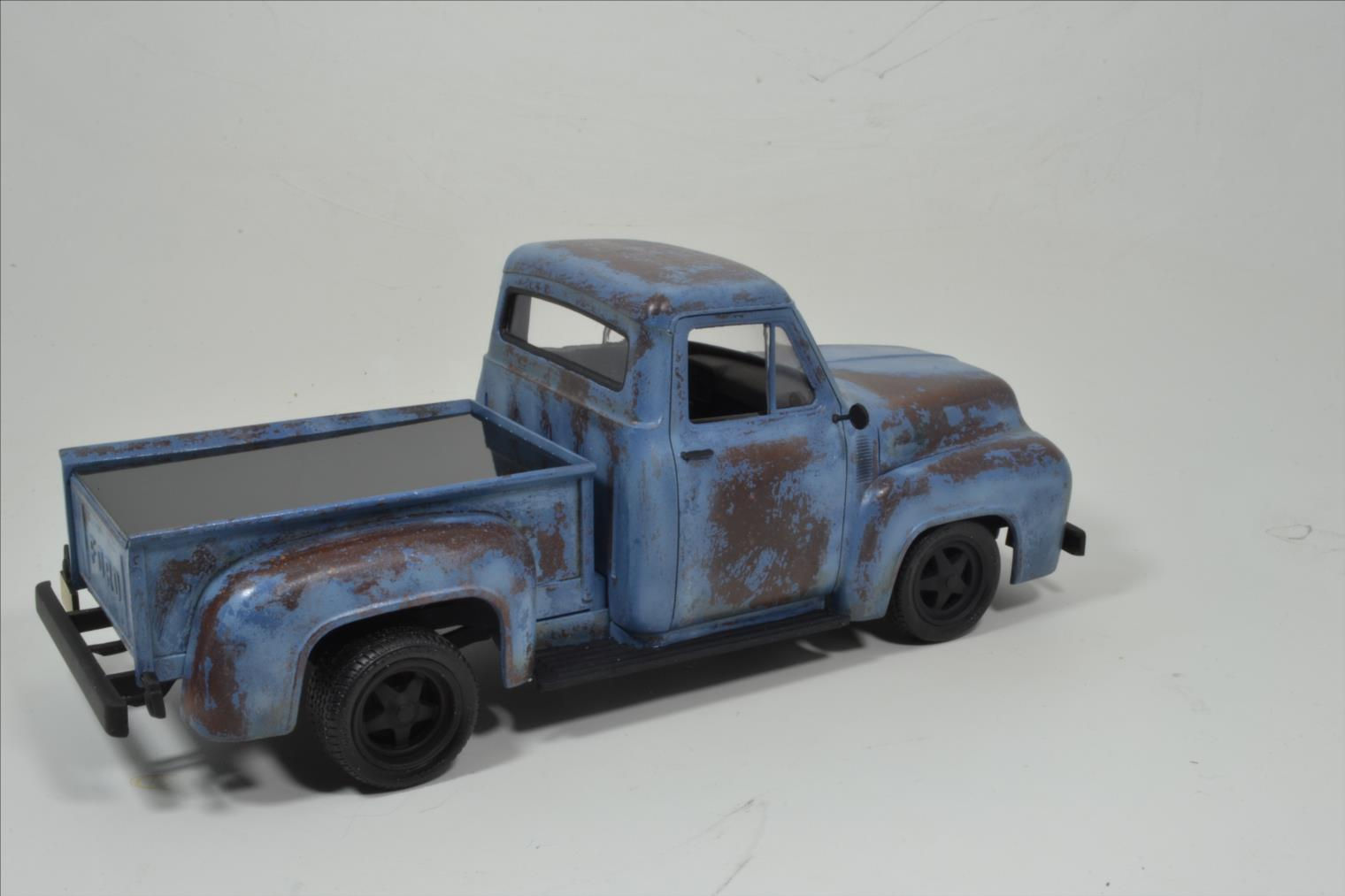 ROD FORD F100 (1/24 MONOGRAM) - Page 2 20041410174422494216744379