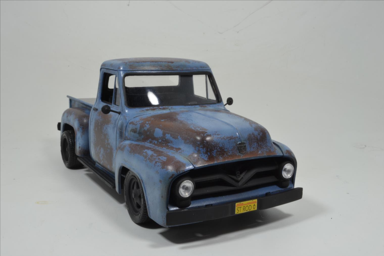 ROD FORD F100 (1/24 MONOGRAM) - Page 2 20041410174522494216744381