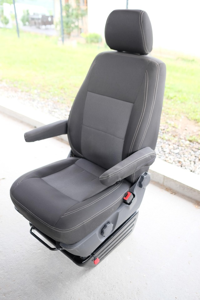 VENDU : Siège passager confort avec Embase pivotante 2005171013501058616799495