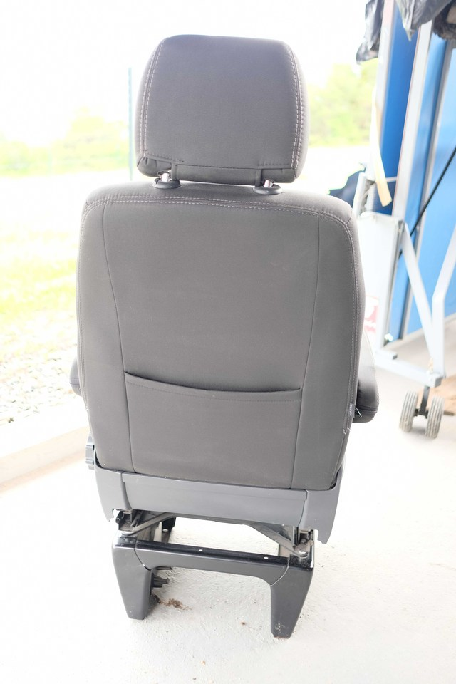 VENDU : Siège passager confort avec Embase pivotante 2005171014031058616799500