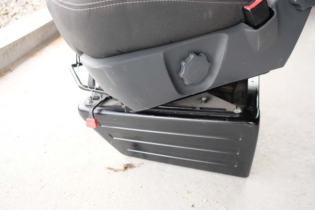 VENDU : Siège passager confort avec Embase pivotante 2005171014091058616799503
