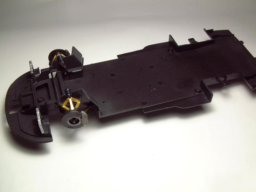 "Mc Laren F1 GTR ""Le Mans 97"" - 1/24e [Aoshima] I0IBJb-mclaren-chassis1"