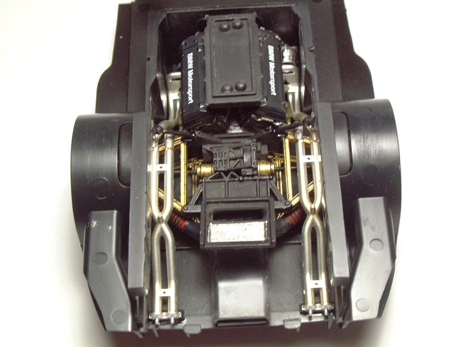 "Mc Laren F1 GTR ""Le Mans 97"" - 1/24e [Aoshima] 5n4CJb-mclaren-moteur14"