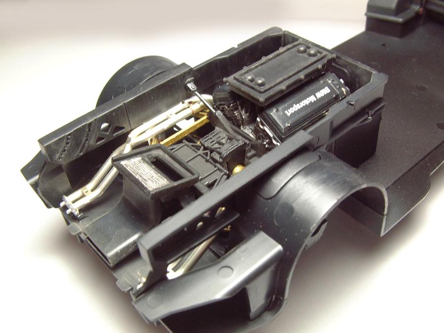 "Mc Laren F1 GTR ""Le Mans 97"" - 1/24e [Aoshima] Xn4CJb-mclaren-moteur12"