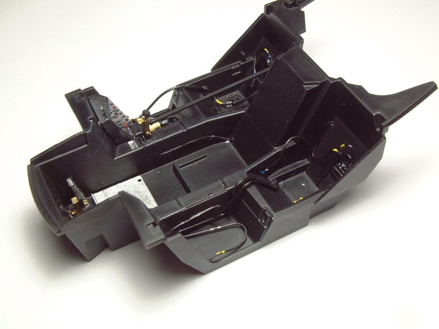 "Mc Laren F1 GTR ""Le Mans 97"" - 1/24e [Aoshima] PnTCJb-mclaren-interieur1"