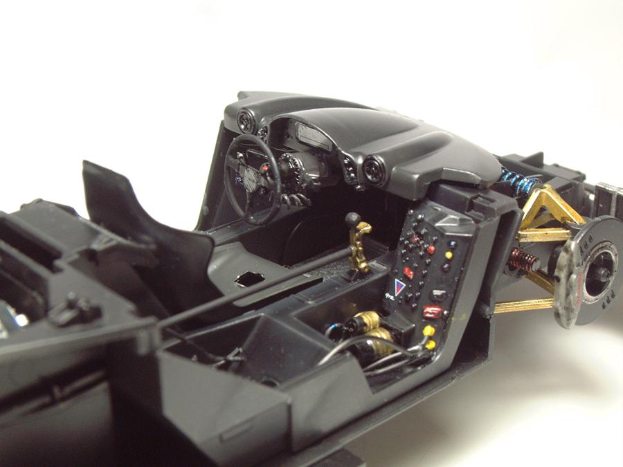 """Mc Laren F1 GTR """"Le Mans 97"""" - 1/24e [Aoshima] PNCDJb-mclaren-interieur10"""