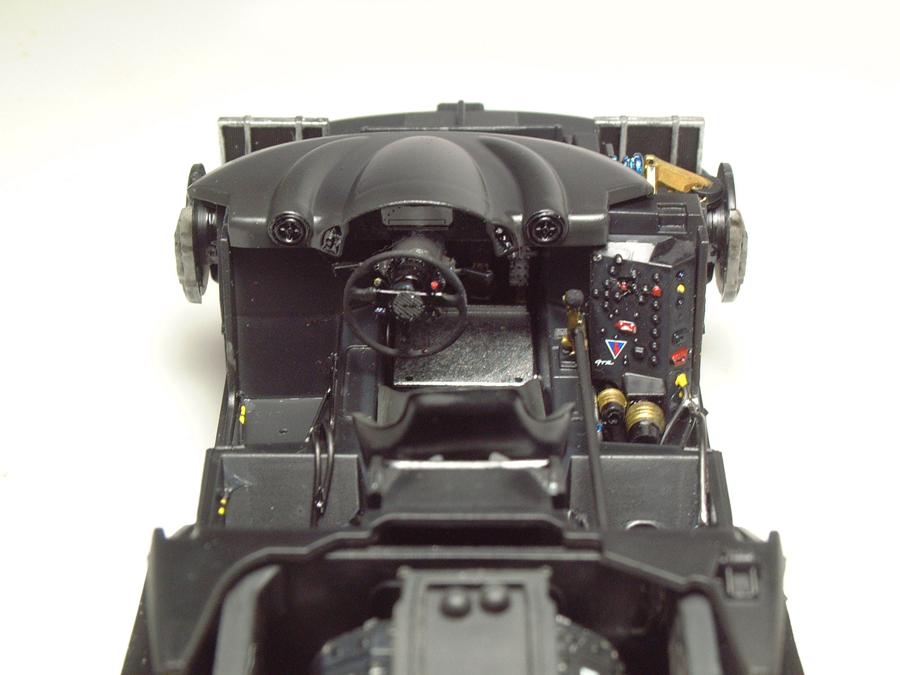 """Mc Laren F1 GTR """"Le Mans 97"""" - 1/24e [Aoshima] UNCDJb-mclaren-interieur12"""