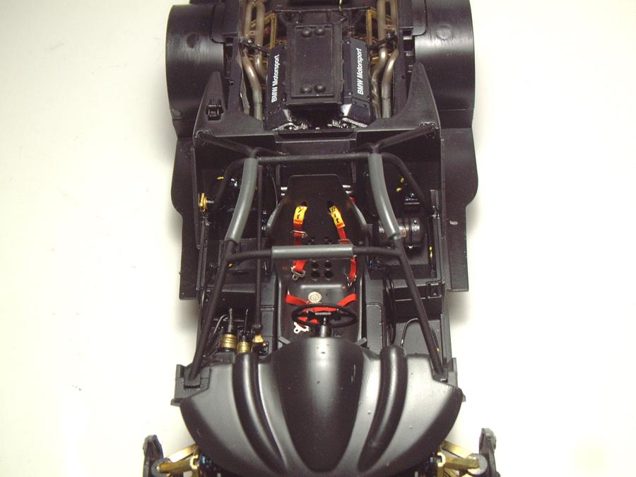 "Mc Laren F1 GTR ""Le Mans 97"" - 1/24e [Aoshima] UnIEJb-mclaren-interieur17"