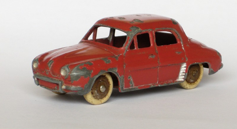 #916 Renault Dauphine Dinky-Toys face web