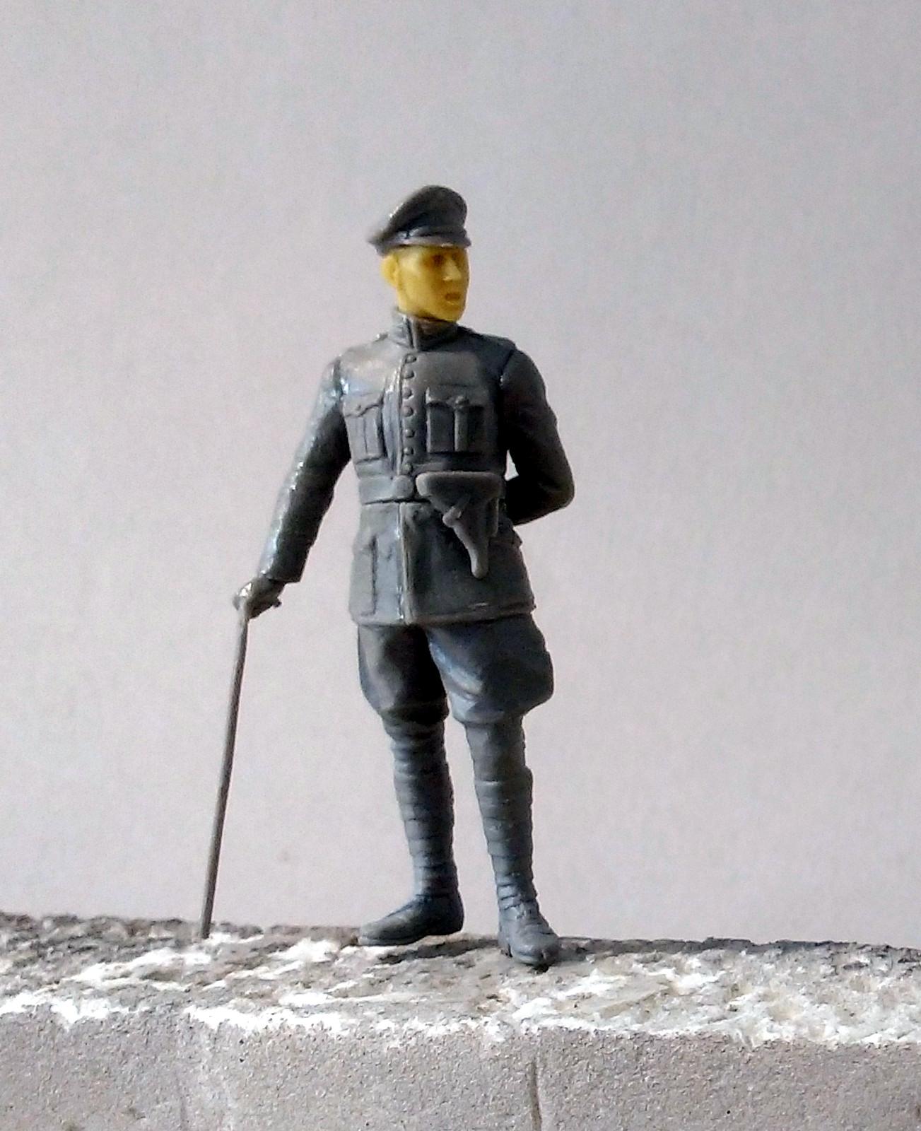 Dépannage à Cambrai (Blitz 1/35) - Page 3 FPTHJb-Officier01