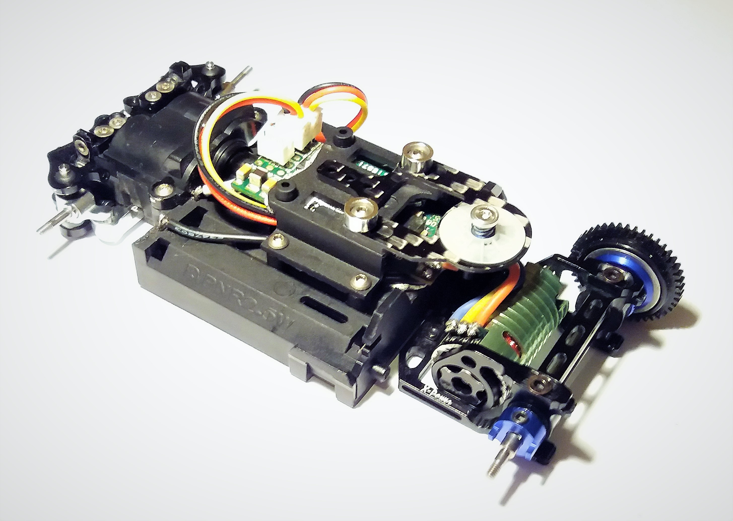[A VENDRE] Mini Z MR03 brushless full + pièces 20062008352524157316863058