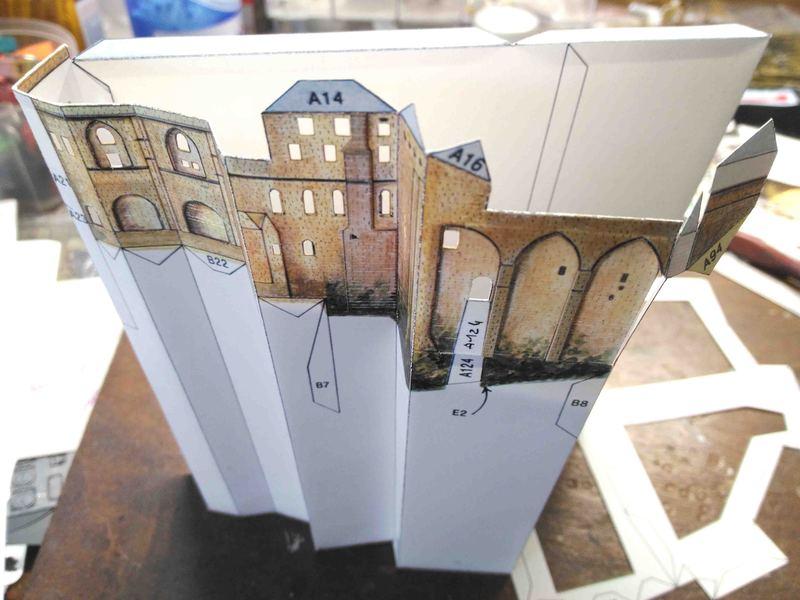 Mont St-Michel (scratch carton 1/500°) de philiparus - Page 2 20062111522723648416865585