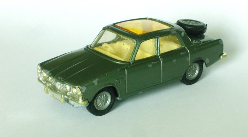 #2264 Rover 2000 TC Corgi-Toys face web