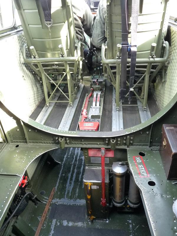 [Hasegawa] B-25J Mitchell 345th BG 2006291216025669816893331