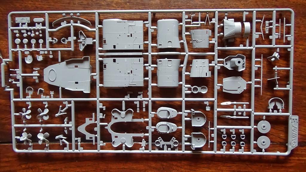 Missouri Joy Yard 1/350 état 1944 PE/laiton/p'tits trucs T5HRJb-USS-Missouri-1944-015