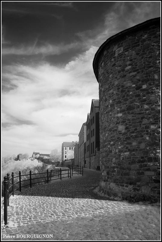 Thuin, photographie infrarouge par Pierre BOURGUIGNON, Belgique