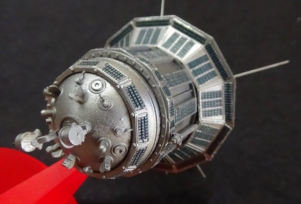 Bip Bip Bip ! Premiers satellites soviétiques au 35e (résine + PE) HQrUJb-Sputnik-Luna-29