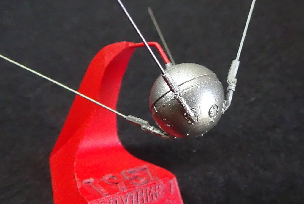 Bip Bip Bip ! Premiers satellites soviétiques au 35e (résine + PE) MSrUJb-Sputnik-Luna-20
