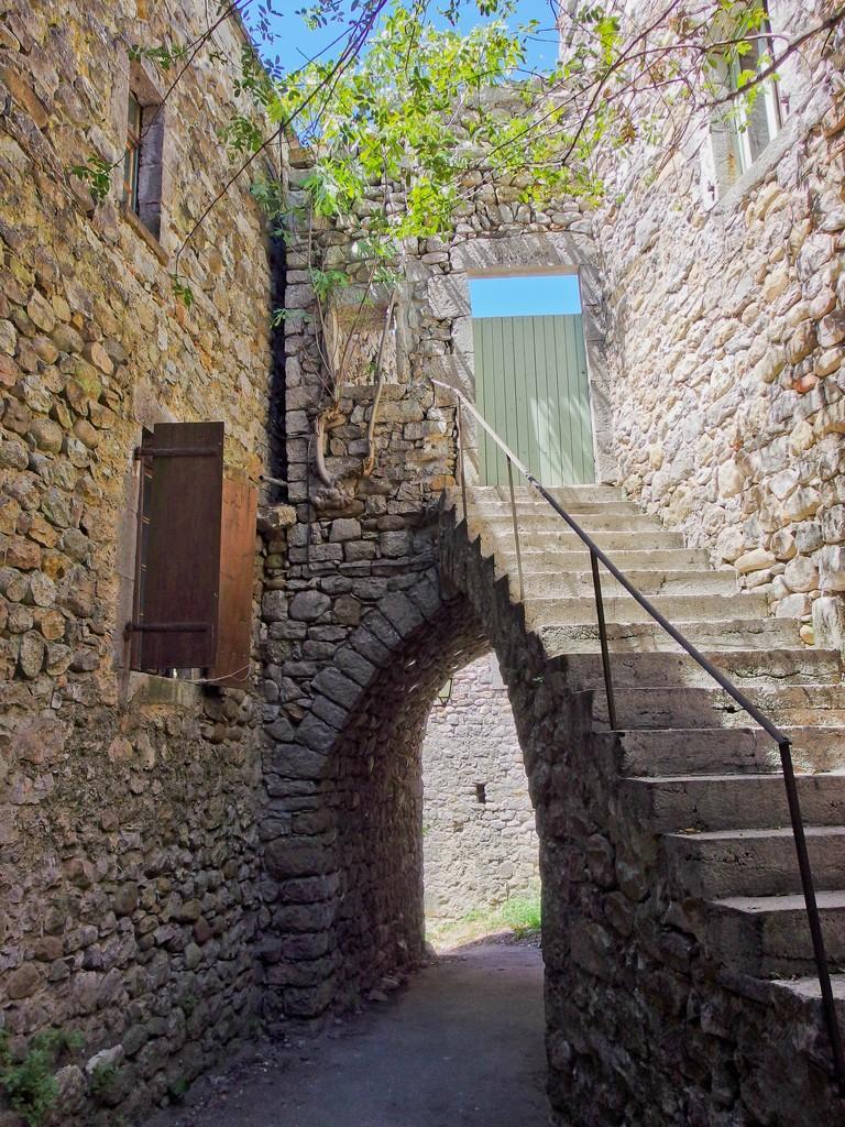 Architecture / Rues / Ambiance de ville / Paysages urbains - Page 15 20071804095723579416923716