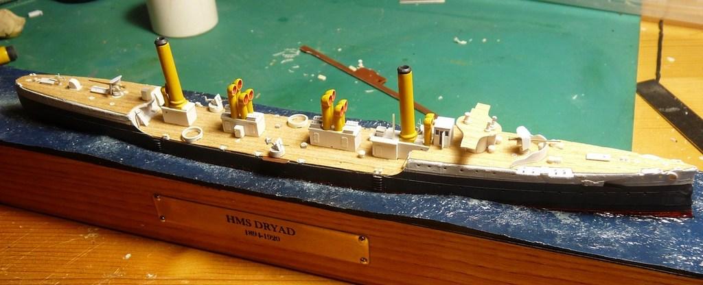 A votre avis comment la mer est réalisée ? - Page 2 5E8hKb-HMS-Dryad-26