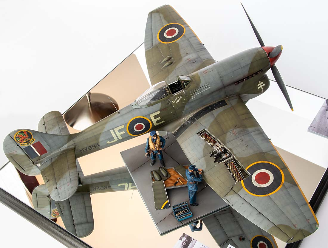 Figurines de pilotes et de mécaniciens ww2 + maquettes d'avions 20102111203714703417090656