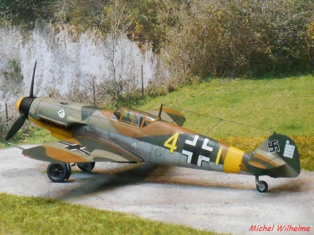 MESSERSCHMITT 109  F.4                            AZ MODEL 1:72 2010240311535625617094386