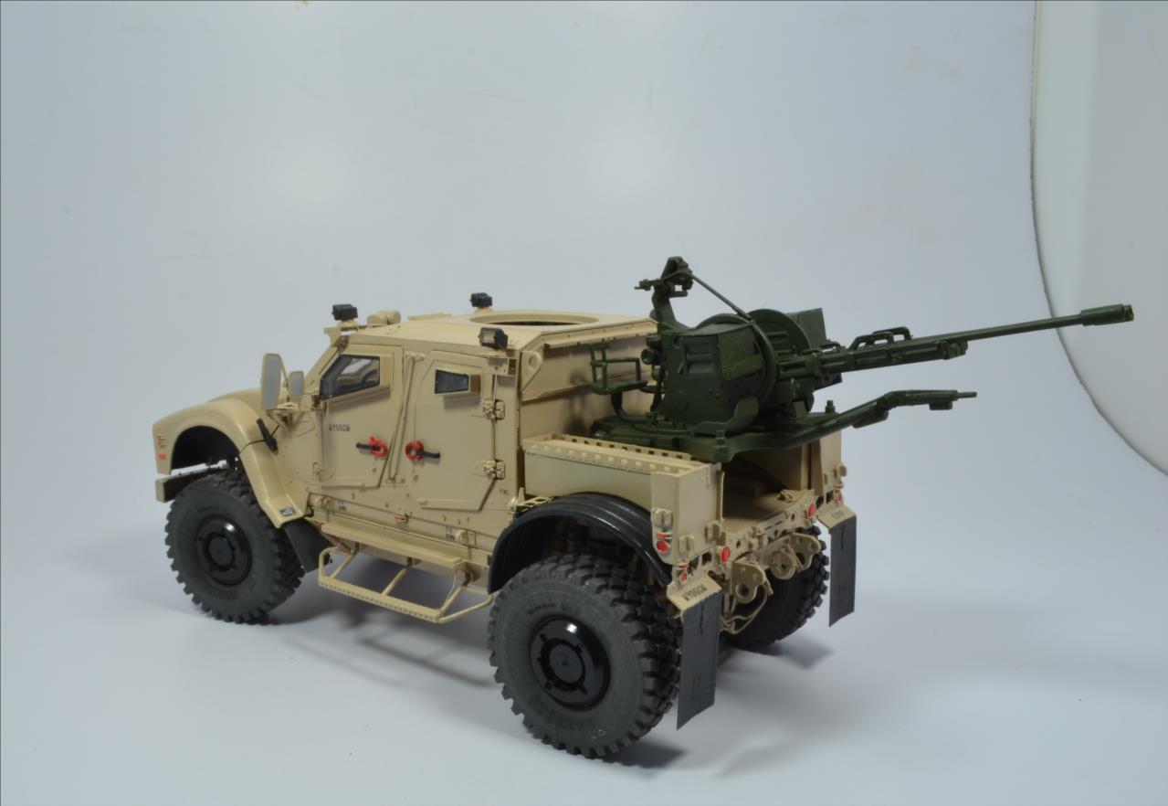 M 1240 A1 M-ATV 1/35 (RFM) - Page 2 20111211101522494217123555