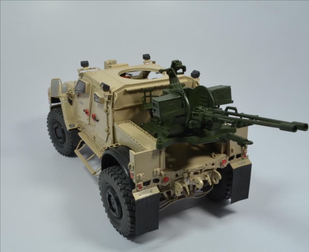 M 1240 A1 M-ATV 1/35 (RFM) - Page 2 20111211101522494217123556